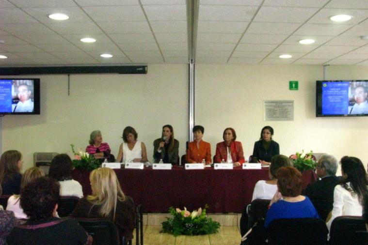 cowap-presentacin-del-libro---intolerancia-a-lo-femenino_15422867564_o