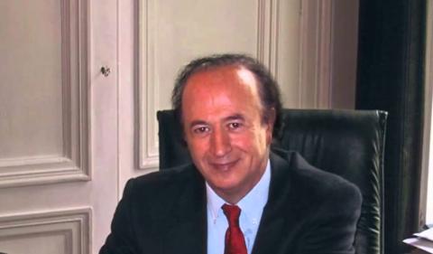 CONOCE AL  DR. RENÉ ROUSSILLON