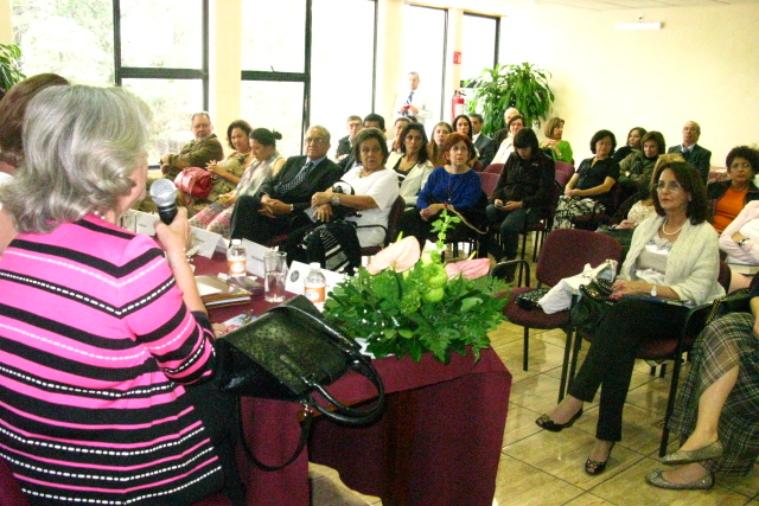 cowap-presentacin-del-libro---intolerancia-a-lo-femenino_16043196431_o